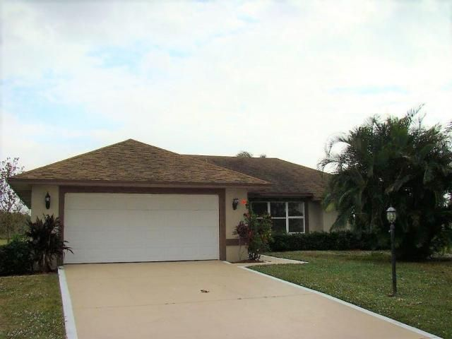 Single Family Home for Sale at 1420 SE 21st Street 1420 SE 21st Street Okeechobee, Florida 34974 United States