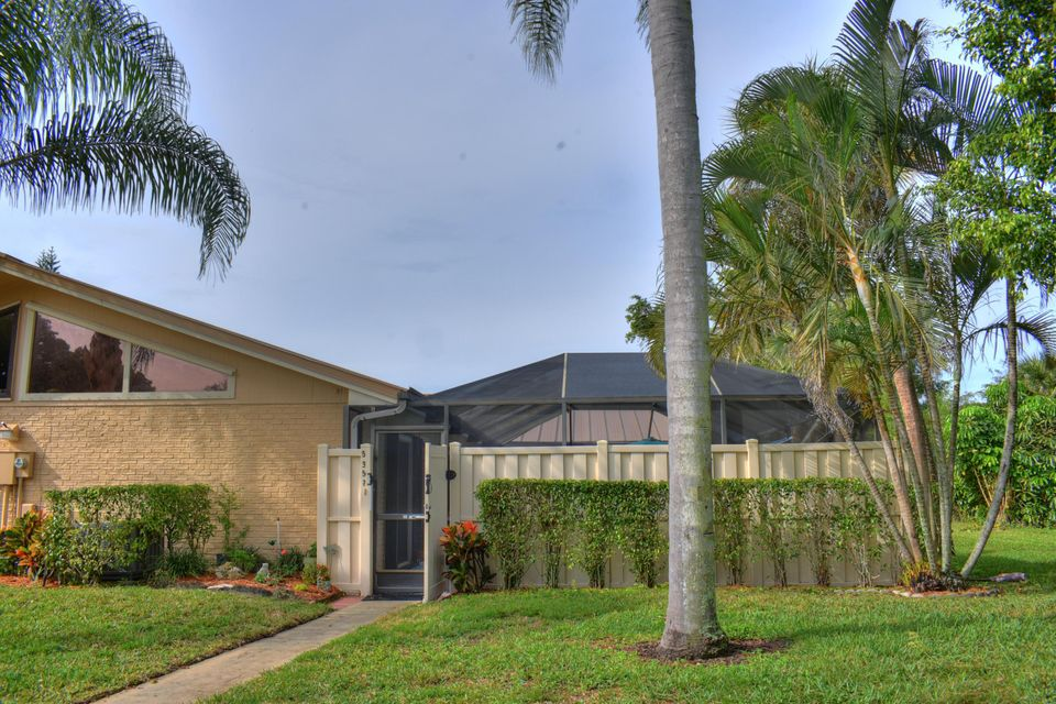 5357 Eagle Lake Drive , Palm Beach Gardens FL 33418 is listed for sale as MLS Listing RX-10400744 19 photos