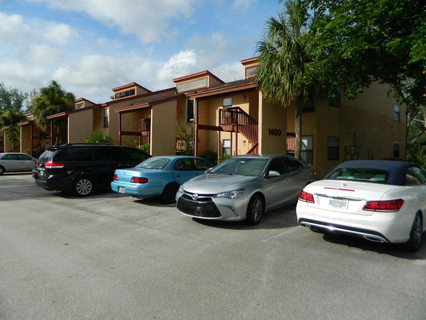 1409 Lakeview Drive 1409 Royal Palm Beach, FL 33411 photo 2