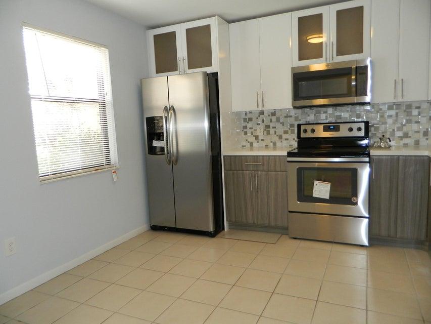 1409 Lakeview Drive 1409 Royal Palm Beach, FL 33411 photo 5