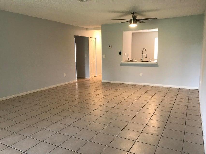 1409 Lakeview Drive 1409 Royal Palm Beach, FL 33411 photo 9