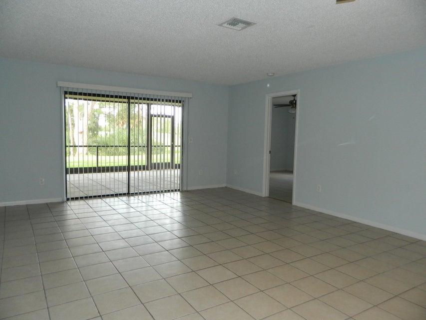 1409 Lakeview Drive 1409 Royal Palm Beach, FL 33411 photo 10