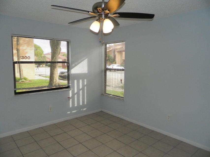 1409 Lakeview Drive 1409 Royal Palm Beach, FL 33411 photo 21