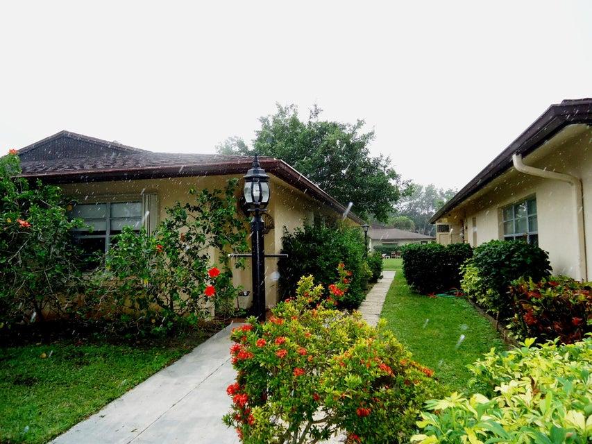 Villa for Sale at 5108 Kinswood Road 5108 Kinswood Road Boynton Beach, Florida 33437 United States