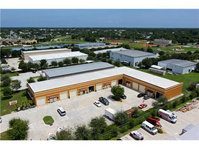 Comercial por un Venta en 3330 SE Gran Park Way 3330 SE Gran Park Way Stuart, Florida 34997 Estados Unidos