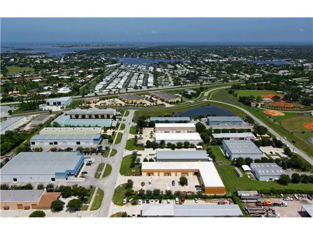 Additional photo for property listing at 3330 SE Gran Park Way 3330 SE Gran Park Way Stuart, Florida 34997 United States