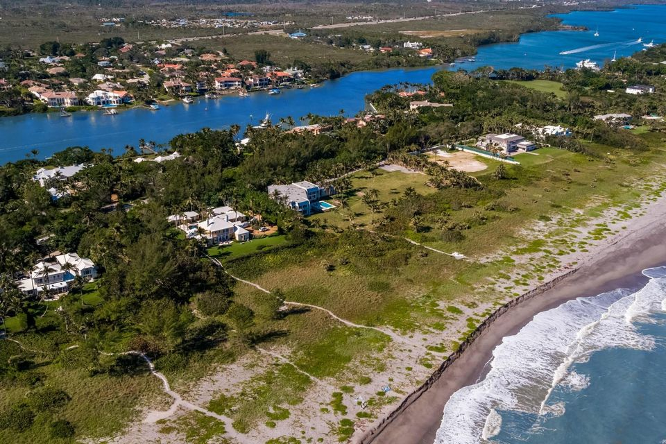 482 S Beach  , Hobe Sound FL 33455 is listed for sale as MLS Listing RX-10394339 photo #4