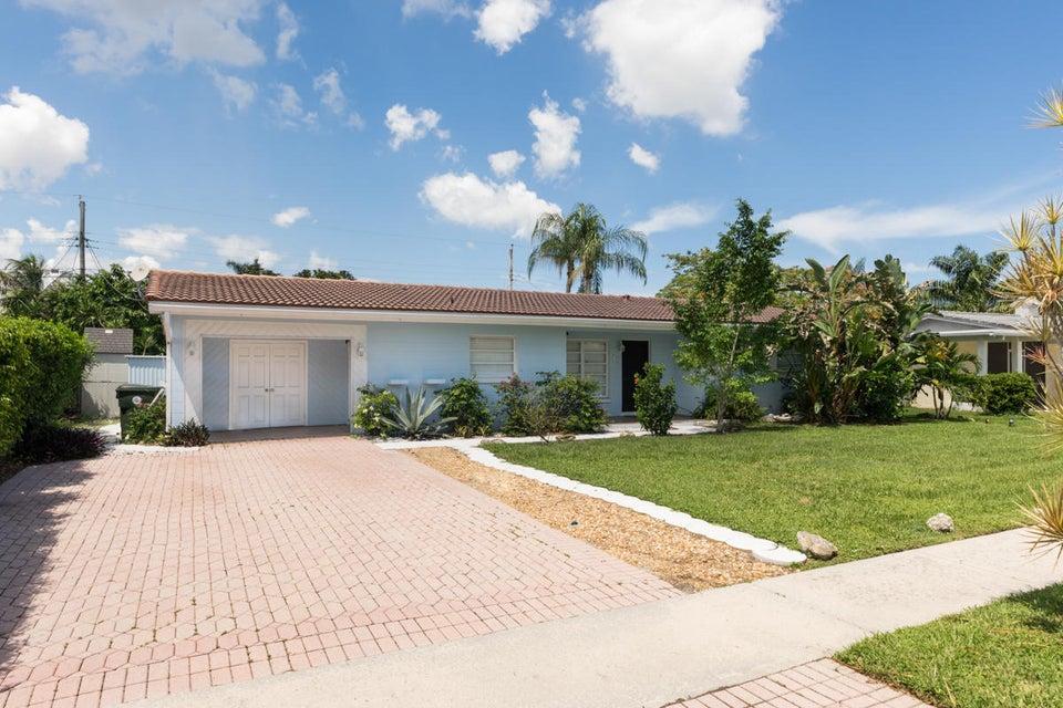 19 Forest Hills Lane  Boca Raton FL 33431