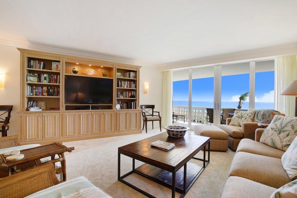 Кондоминиум для того Продажа на 1225 S Ocean Boulevard # 301 1225 S Ocean Boulevard # 301 Delray Beach, Флорида 33483 Соединенные Штаты