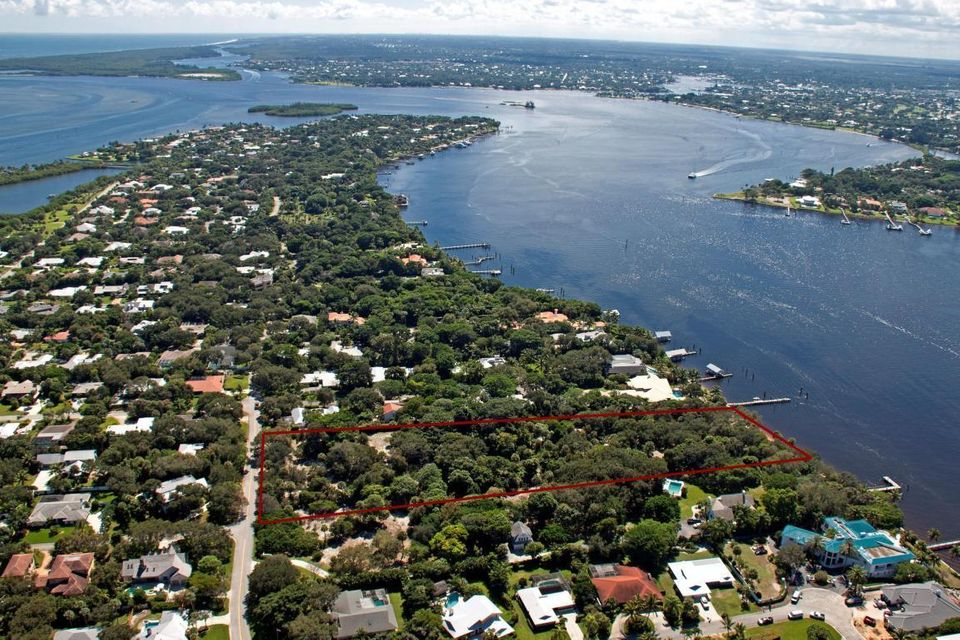 Additional photo for property listing at 114 S River Road 114 S River Road Sewalls Point, Florida 34996 United States