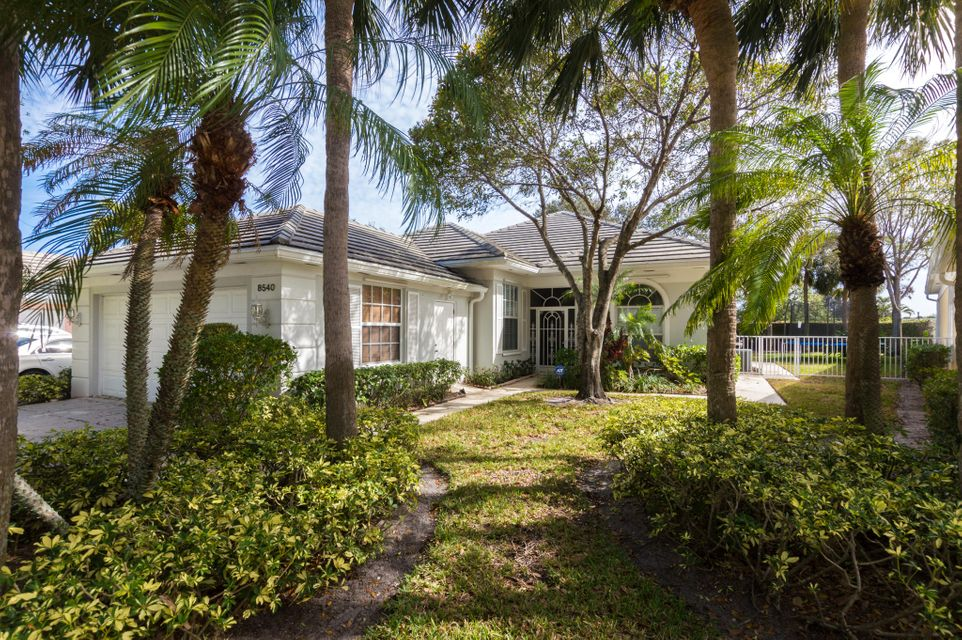 8540 Doverbrook Drive , Palm Beach Gardens FL 33410 is listed for sale as MLS Listing RX-10401114 21 photos