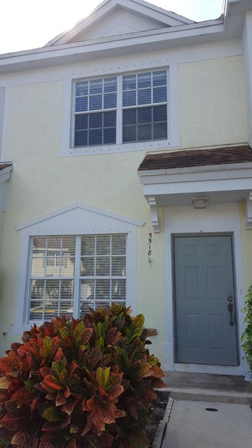 Townhouse for Sale at 5518 Parade Place # 27 5518 Parade Place # 27 Margate, Florida 33063 United States