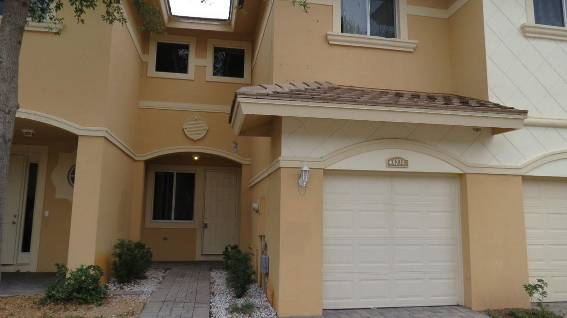 4274 Coventry Pointe Way  Lake Worth, FL 33461