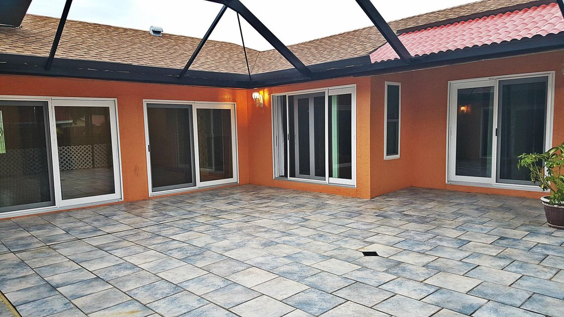 Single Family Home for Sale at 11219 NW 43 Court 11219 NW 43 Court Coral Springs, Florida 33065 United States