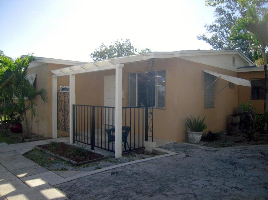 422 Churchill Road  West Palm Beach, FL 33405