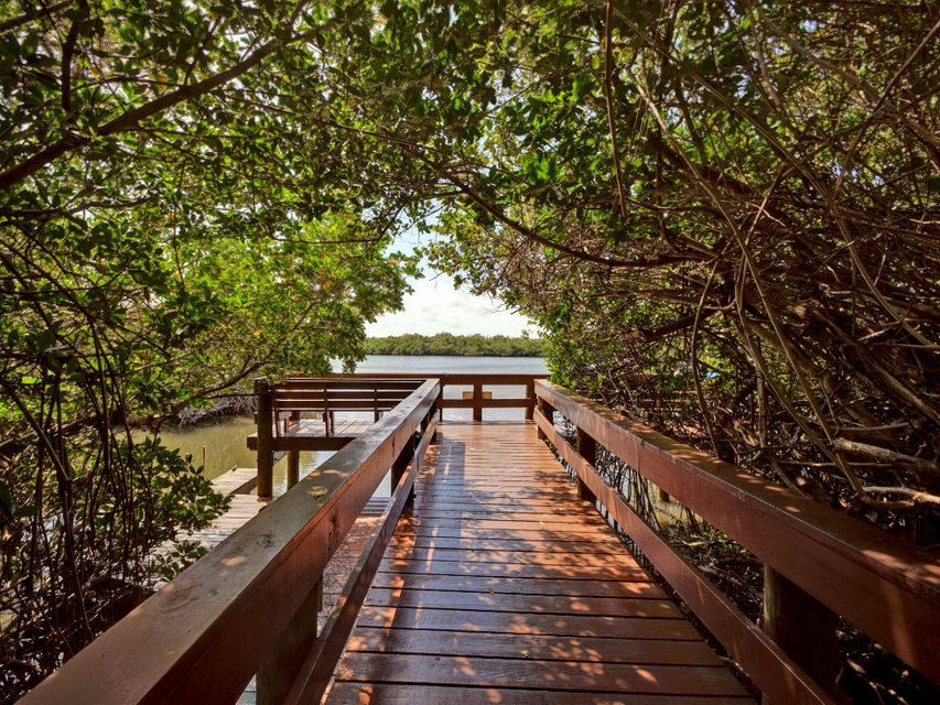 Additional photo for property listing at 5051 N A1a  # 3-3 5051 N A1a  # 3-3 Hutchinson Island, Florida 34949 United States
