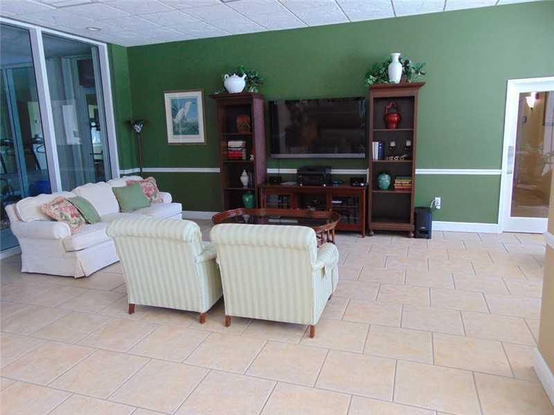 Additional photo for property listing at 5049 N A1a  # 1702 5049 N A1a  # 1702 Hutchinson Island, Florida 34949 Estados Unidos