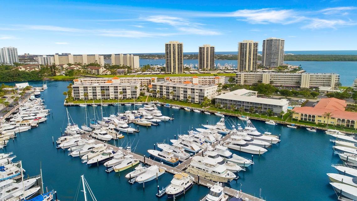 29 Yacht Club Drive 504  North Palm Beach FL 33408