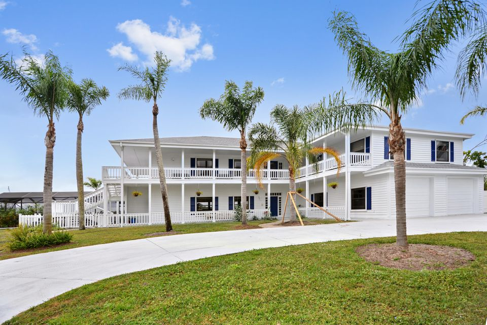 Single Family Home for Sale at 1001 SE Kitching Cove Lane 1001 SE Kitching Cove Lane Port St. Lucie, Florida 34952 United States