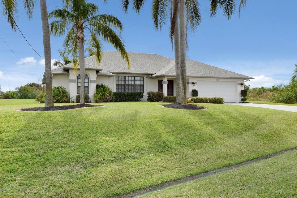 1696 SE Hillmoor Drive, Port St Lucie FL 34952