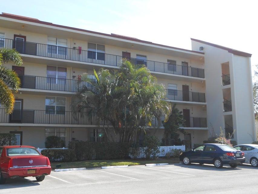 Condominium for Rent at 27 Abbey Lane # 305 27 Abbey Lane # 305 Delray Beach, Florida 33446 United States