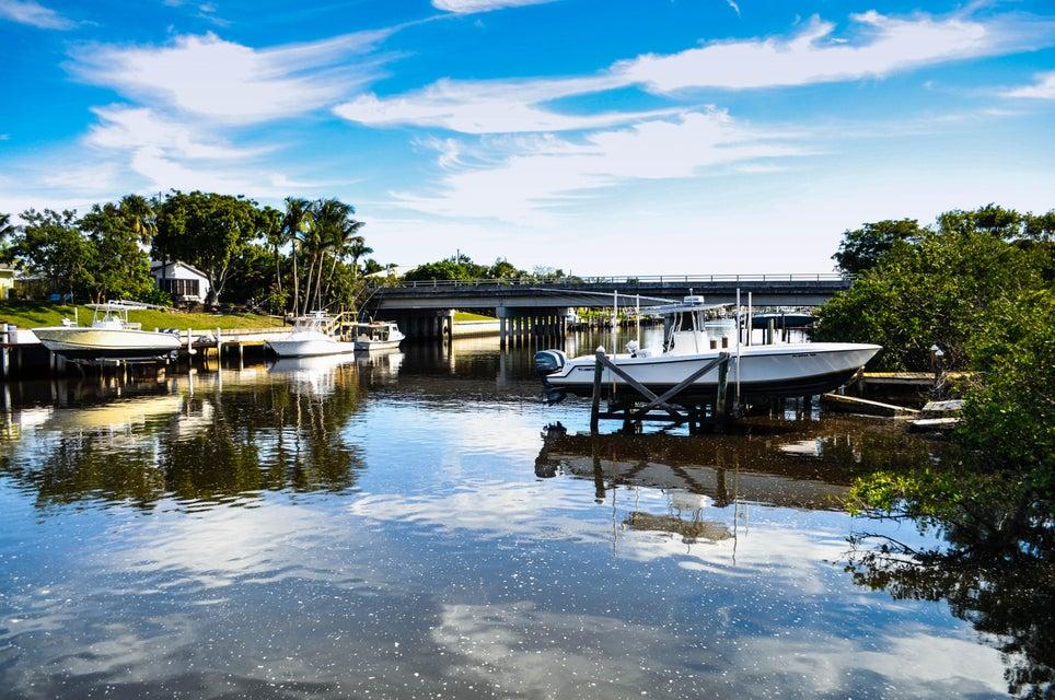 Single Family Home for Sale at 2615 Duke Court 2615 Duke Court Lake Worth, Florida 33460 United States