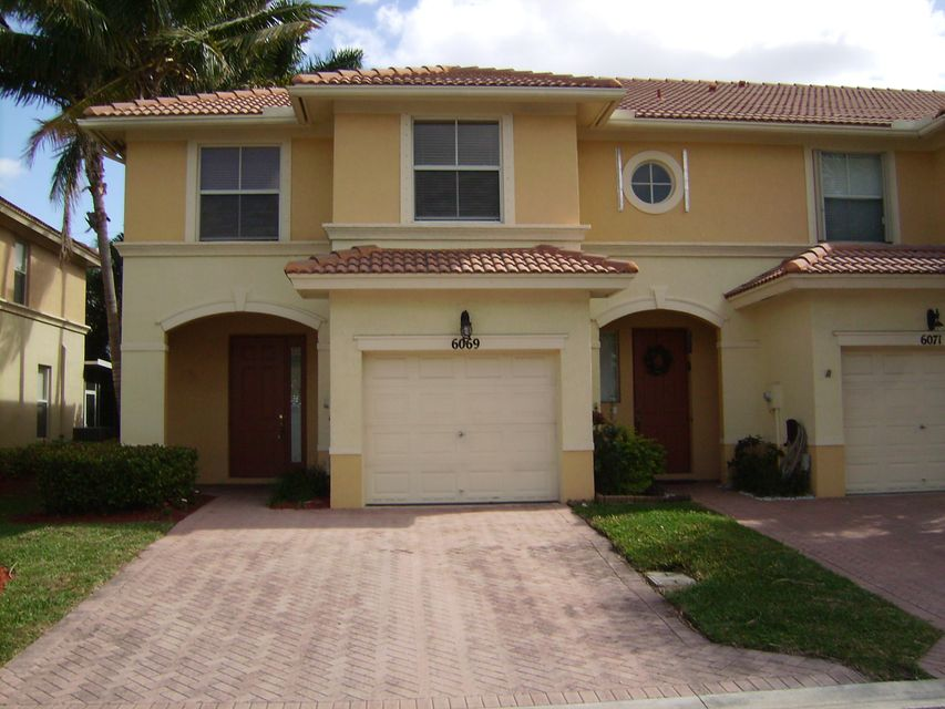 6069 Seminole Gardens Circle , Palm Beach Gardens FL 33418 is listed for sale as MLS Listing RX-10401726 37 photos