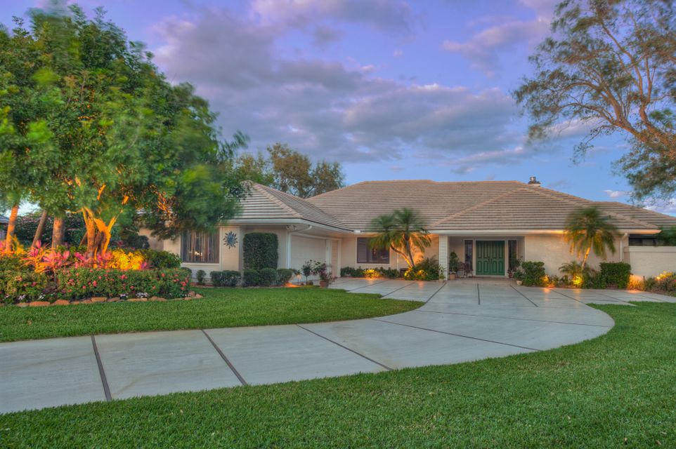 Single Family Home for Sale at 4401 SW Parkgate Boulevard 4401 SW Parkgate Boulevard Palm City, Florida 34990 United States