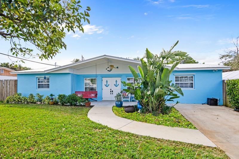 1496 NE Hilltop Street - Jensen Beach, Florida