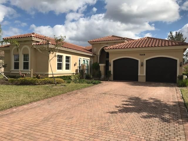 7668 Maywood Crest Drive  Palm Beach Gardens FL 33412