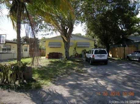 2568 W Carandis Road