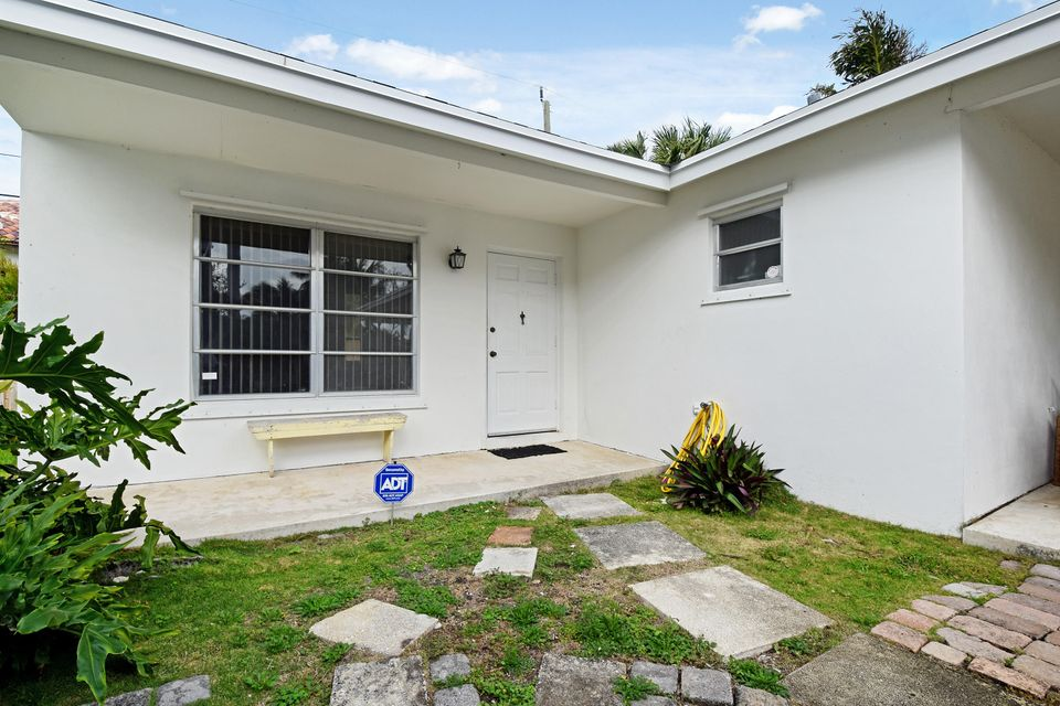 241 Almeria Road West Palm Beach, FL 33405 photo 22