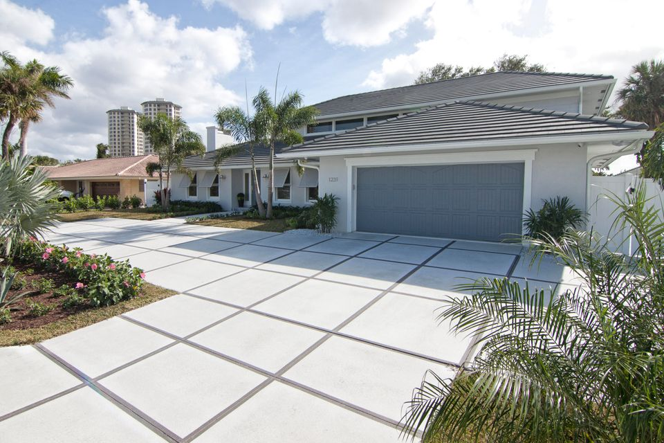 Single Family Home for Sale at 1231 Gulfstream Way 1231 Gulfstream Way Riviera Beach, Florida 33404 United States