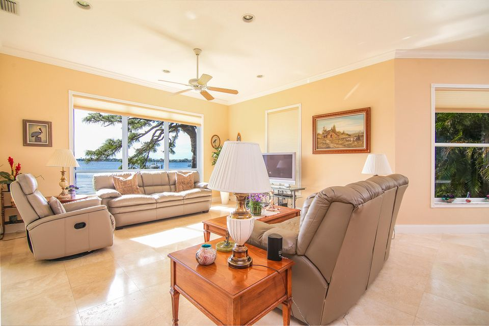 Additional photo for property listing at 901 NW Sunset Terrace 901 NW Sunset Terrace Stuart, Florida 34994 United States