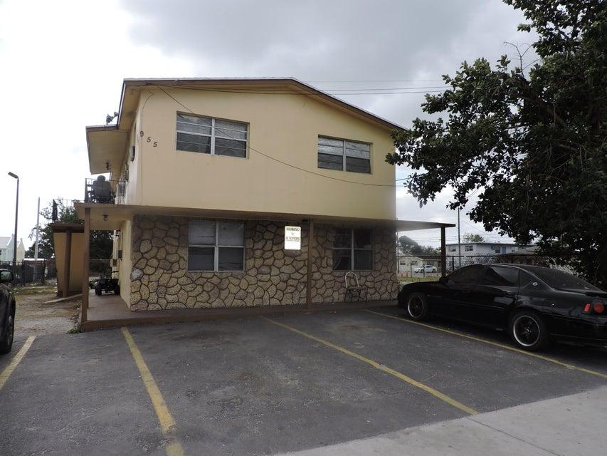 Разнобразная частная недвижимость для того Продажа на 955 W Palm Beach Road # 1 955 W Palm Beach Road # 1 South Bay, Флорида 33493 Соединенные Штаты