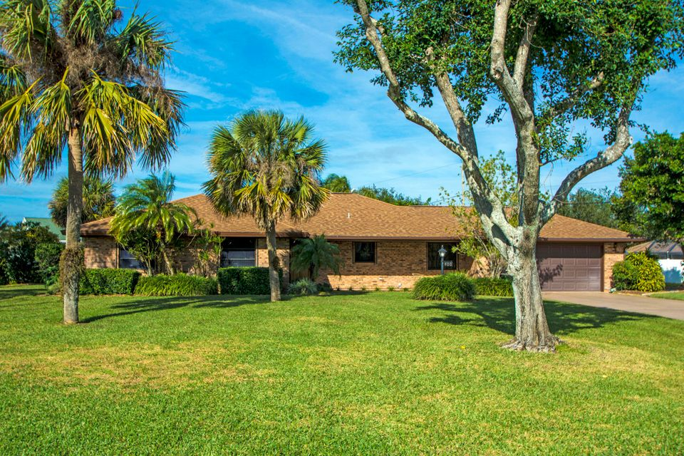 Single Family Home for Sale at 400 10th Place 400 10th Place Vero Beach, Florida 32962 United States