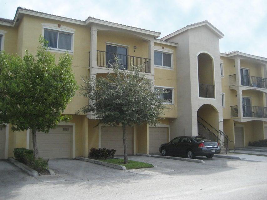 360 Crestwood Circle 302  Royal Palm Beach, FL 33411
