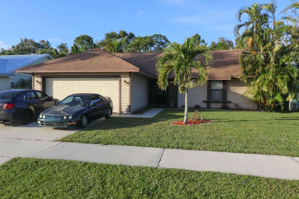 Single Family Home for Sale at 4049 SE Jacaranda Street 4049 SE Jacaranda Street Stuart, Florida 34997 United States