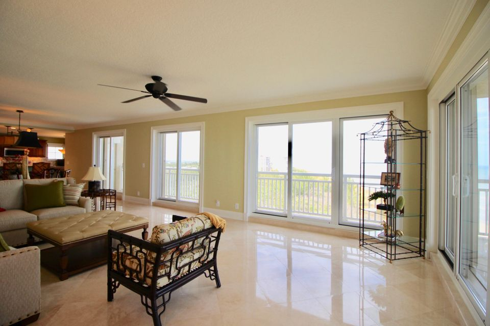 Additional photo for property listing at 3702 N A1a  # 1001 3702 N A1a  # 1001 Hutchinson Island, Флорида 34949 Соединенные Штаты