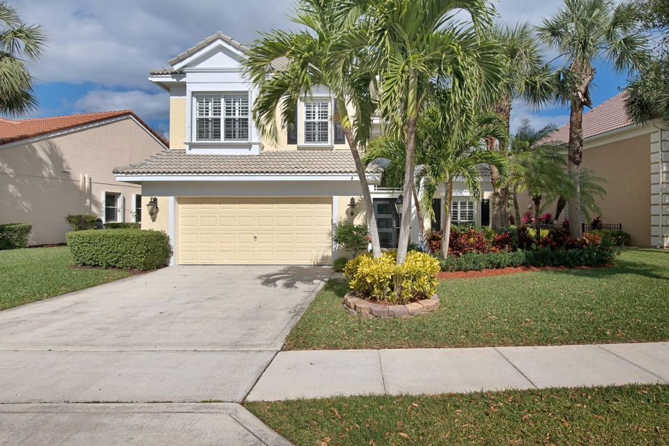 81 Satinwood Lane , Palm Beach Gardens FL 33410 is listed for sale as MLS Listing RX-10403566 38 photos