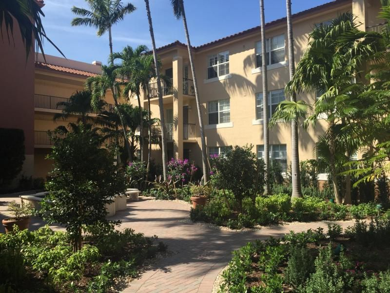 Condominium for Sale at 1805 N Flagler Drive # 301 1805 N Flagler Drive # 301 West Palm Beach, Florida 33407 United States