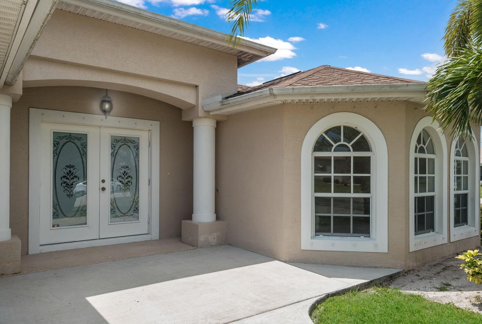 Single Family Home for Sale at 5954 NW Wolverine Road 5954 NW Wolverine Road Port St. Lucie, Florida 34986 United States