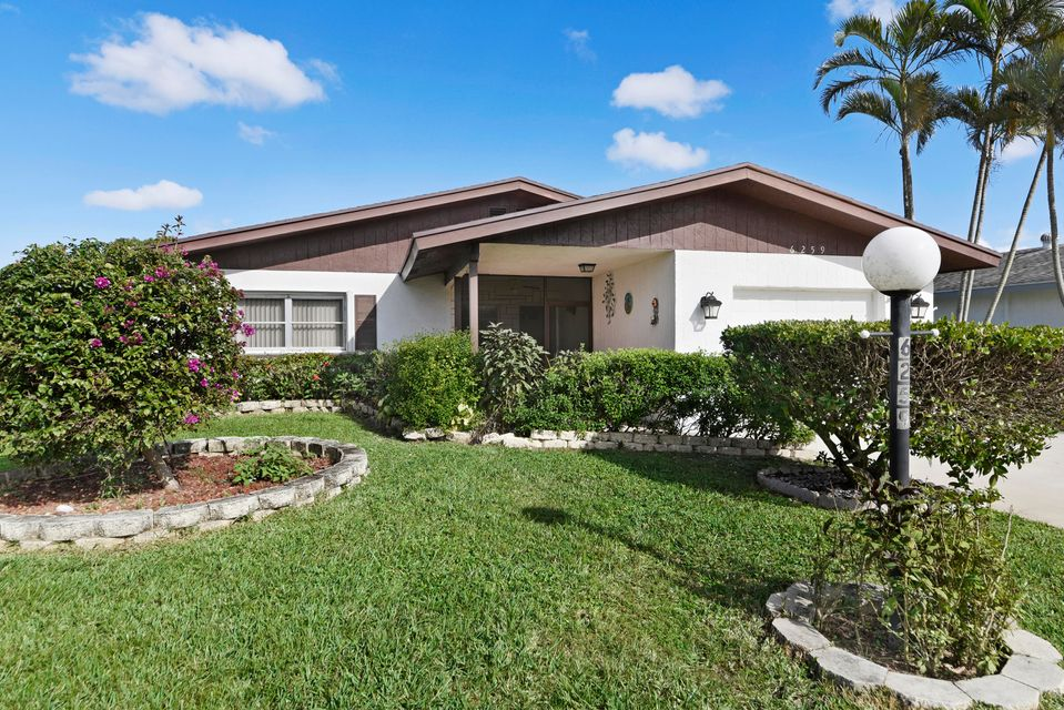 6259 Dusenburg Road , Delray Beach FL 33484 is listed for sale as MLS Listing RX-10402511 15 photos