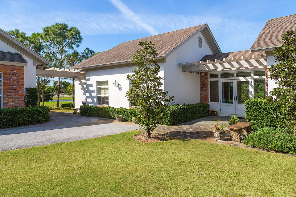 5545 S Shore Boulevard , Wellington FL 33449 is listed for sale as MLS Listing RX-10403974 photo #3