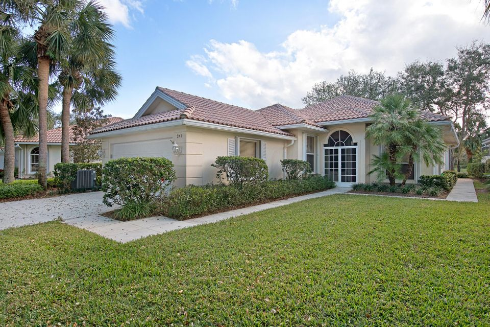241 E Tall Oaks Circle , Palm Beach Gardens FL 33410 is listed for sale as MLS Listing RX-10399724 32 photos