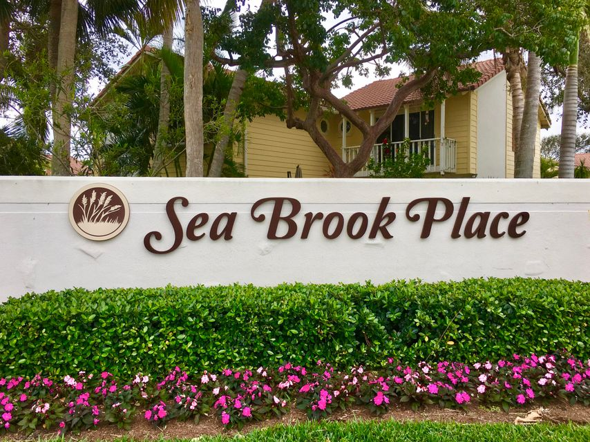 175 Seabreeze Circle , Jupiter FL 33477 is listed for sale as MLS Listing RX-10394215 16 photos