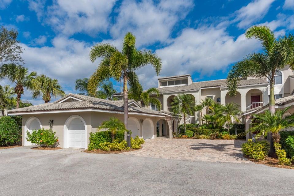 Condominio por un Venta en 12366 NW Harbour Ridge Boulevard # 4-1 12366 NW Harbour Ridge Boulevard # 4-1 Palm City, Florida 34990 Estados Unidos