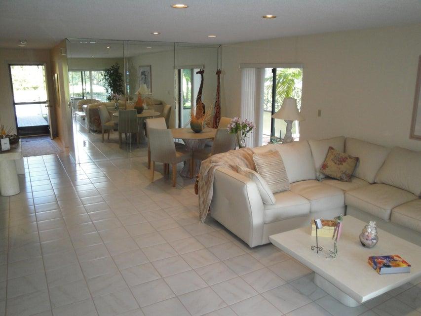20 Westgate Lane # A  Boynton Beach FL 33436