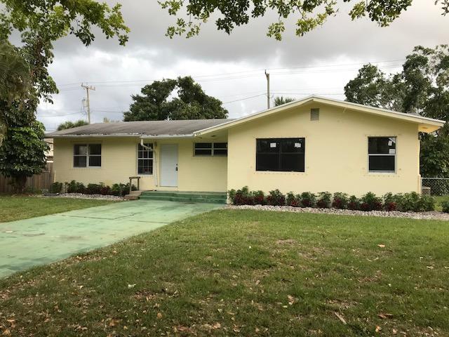 844 Avon Road  West Palm Beach, FL 33401