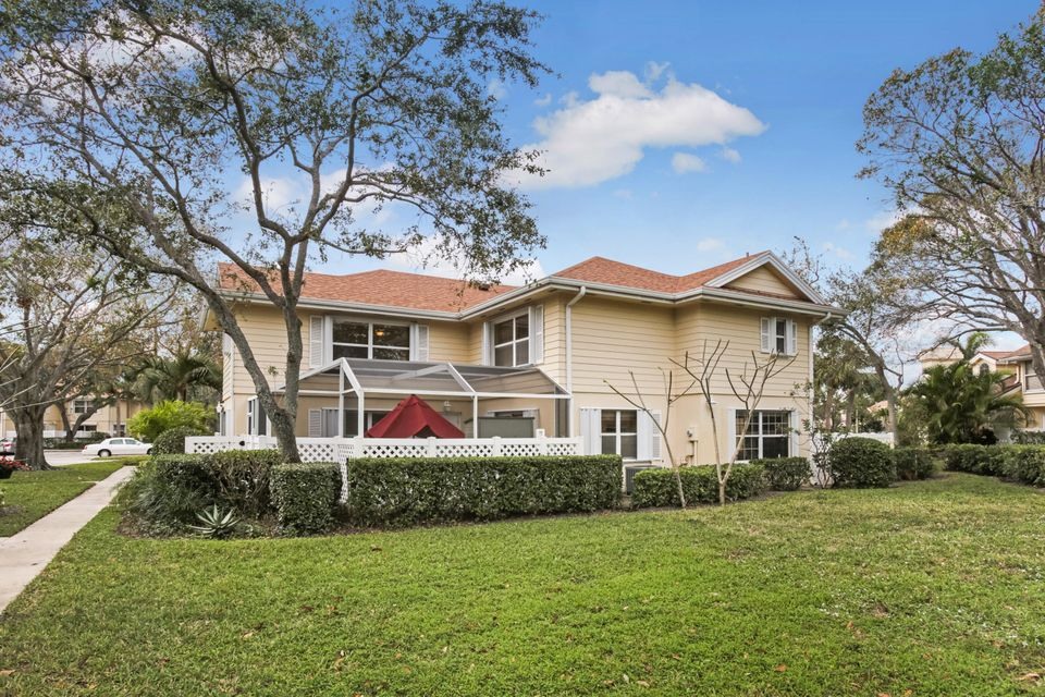 8125 Sedgewick Court 25c  West Palm Beach, FL 33406